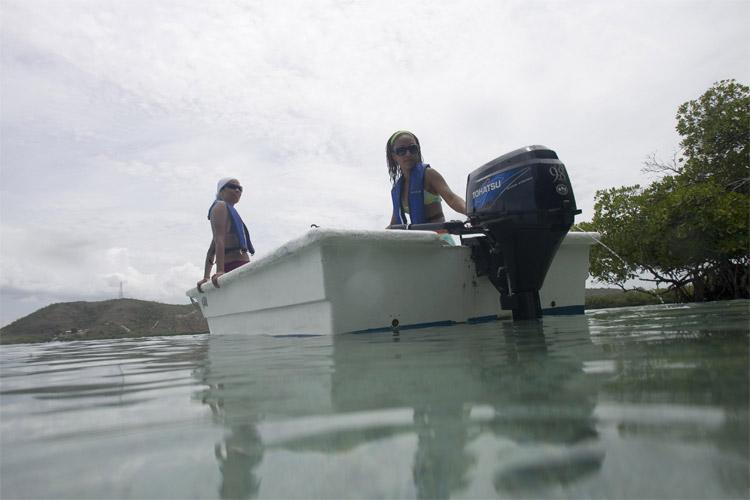 Tohatsu 9,8 Le csónakmotor és csónak